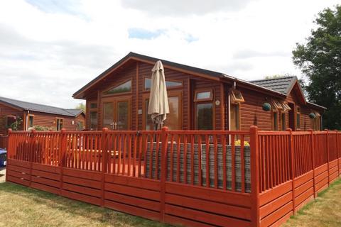 2 bedroom barn conversion for sale - Dereham Road, Yaxham