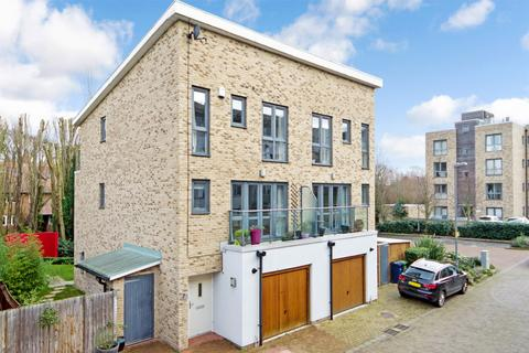 3 bedroom semi-detached house to rent - Pepys Court, Cambridge