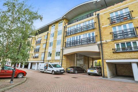 2 bedroom flat for sale - Locksons Close, Poplar E14