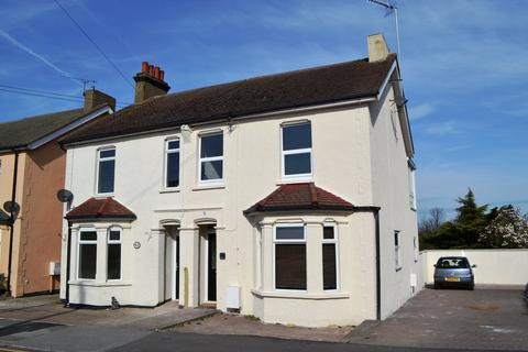 3 bedroom semi-detached house to rent - Love Lane, Rayleigh, Essex