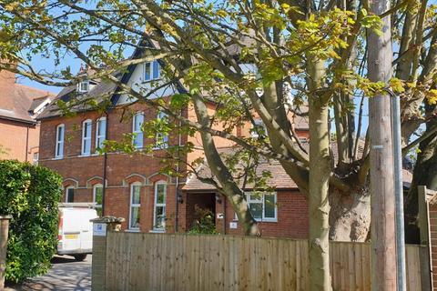 Studio to rent - Boyn Hill Avenue, Maidenhead