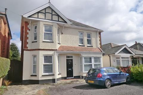 2 bedroom apartment for sale - Freehold Garden Flat. Charminster Avenue, Bournemouth, BH9