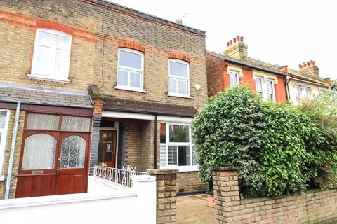3 bedroom terraced house for sale - Granville Road, Wood Green, N22