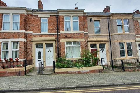 3 bedroom flat to rent - Brinkburn Avenue, Gateshead