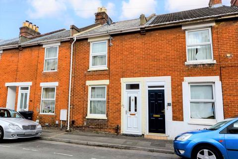 3 bedroom terraced house for sale - George Street, Salisbury                                                 VIDEO TOUR