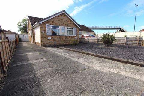 3 bedroom bungalow for sale - Sandhurst Close, Stoke Lodge