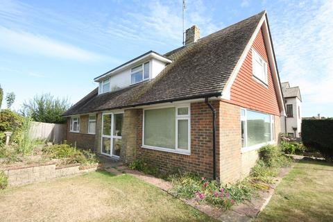 3 bedroom bungalow for sale - Withyham Road, Cooden, Bexhill-on-Sea, TN39