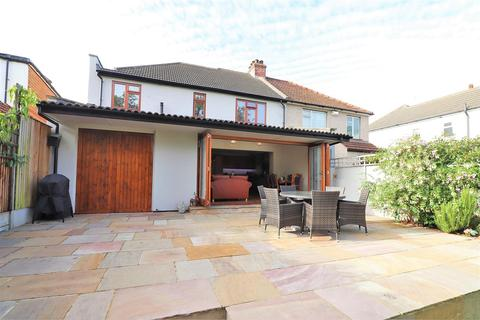 4 bedroom semi-detached house for sale - Brantwood Road, Bexleyheath