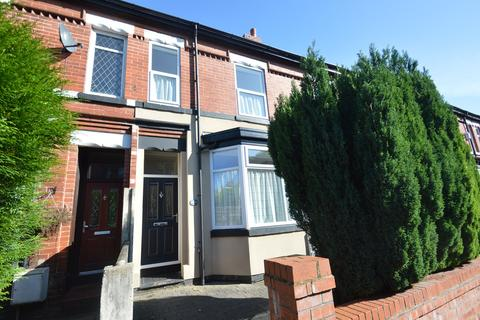 3 bedroom terraced house to rent - Gloucester Road, Urmston, Manchester, M41