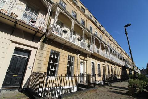 2 bedroom flat to rent - West Mall, Clifton, BS8 4BQ