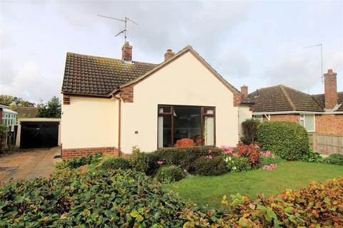 2 bedroom detached bungalow for sale - Dawnay Avenue, King's Lynn