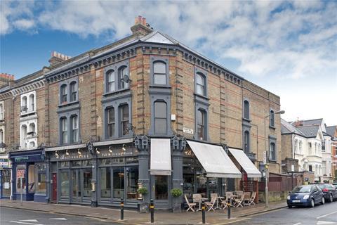 1 bedroom flat for sale - Honeywell Road, London, SW11