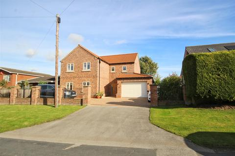4 bedroom detached house for sale - Mill Street, Hutton, Driffield