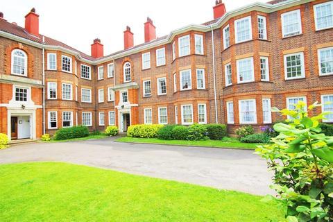 2 bedroom apartment - Bromyard Avenue, London