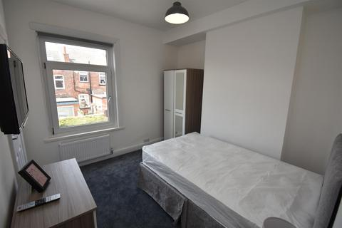 1 bedroom house share to rent - Victoria Avenue, Springfield, Wigan, WN6 7AN