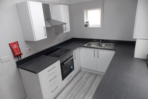 2 bedroom terraced house to rent - Princes Road, Middlesbrough, TS1 4BW