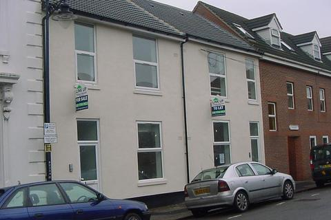 Studio to rent - Wellington Street LU1