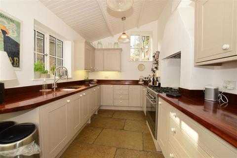 4 bedroom end of terrace house for sale - High Street, Farningham, Kent