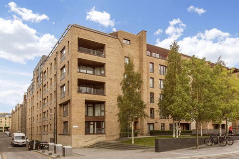 3 bedroom penthouse for sale - 2/45 McEwan Square, Edinburgh, EH3 8EN