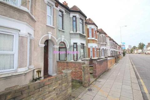 3 bedroom terraced house to rent - Green Lane, Ilford, IG1