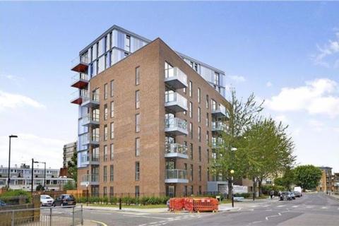 3 bedroom apartment to rent - Chrisp Street, London
