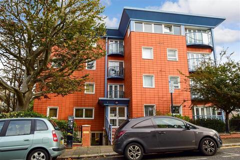 2 bedroom ground floor flat - Lansdowne Road, Hove, East Sussex