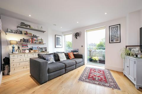 2 bedroom flat for sale - Manor Place, London SE17