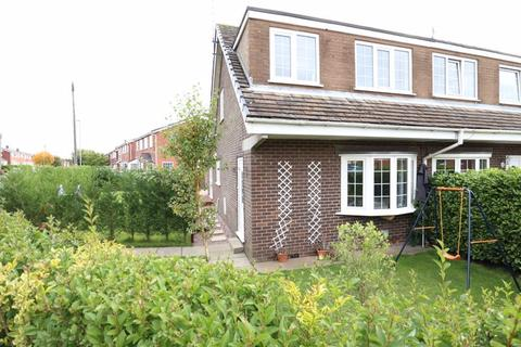 3 bedroom semi-detached house for sale - St Austell Avenue, Macclesfield, SK10 3NN