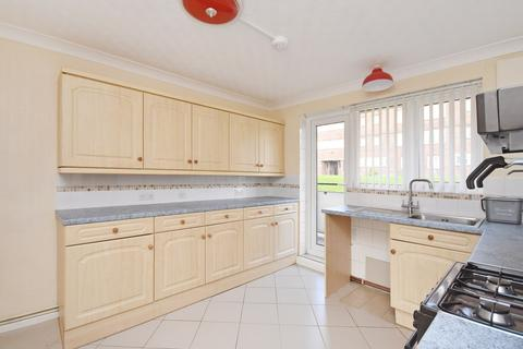 2 bedroom flat for sale - Lancaster Road, Dover, CT17