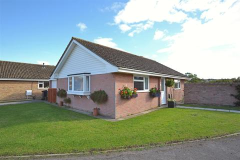2 bedroom detached bungalow for sale - Folly Mill Gardens, Bridport