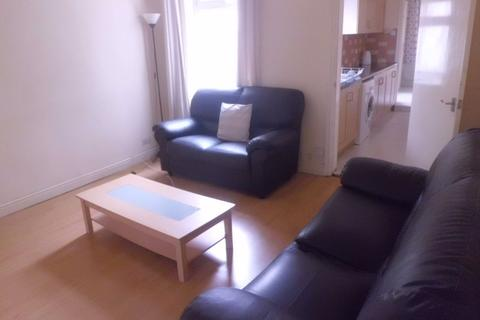 3 bedroom house to rent - 245 Hubert Road, B29