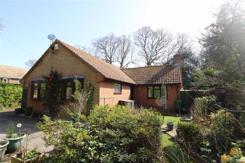 3 bedroom detached bungalow for sale - Sway Road, New Milton, Hampshire