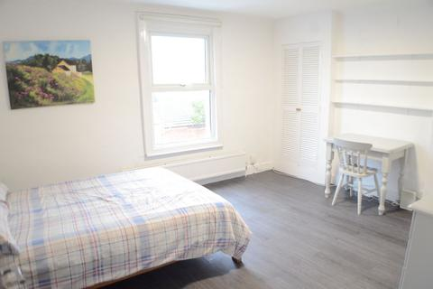 1 bedroom house share to rent - Room 2 Shelton Place, North Street, Exeter, EX1
