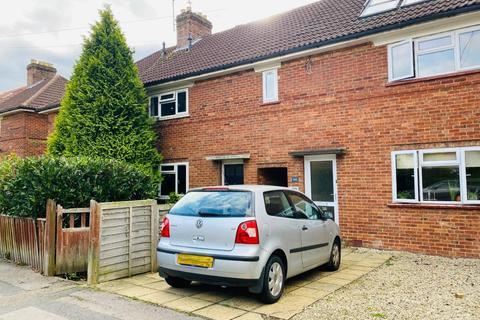 3 bedroom apartment to rent - Valentia Road,  Headington,  OX3