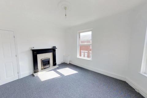 2 bedroom flat to rent - First Floor,, Heald Street, Blackpool FY3