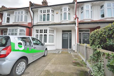 4 bedroom terraced house to rent - Caversham Avenue, Palmers Green N13