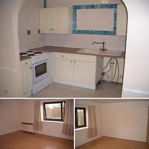2 bedroom flat to rent - Waterside, Uxbridge UB8