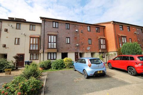 1 bedroom flat to rent - Buttermere Close, Morden
