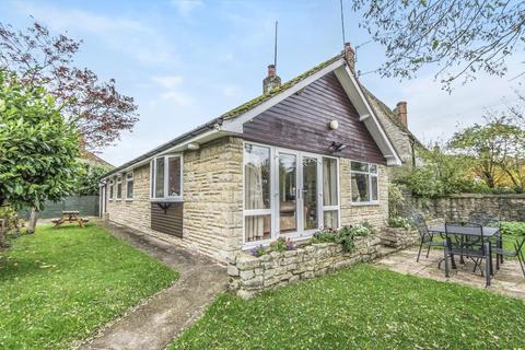 3 bedroom detached bungalow for sale - Wendlebury,  Oxfordshire,  OX25
