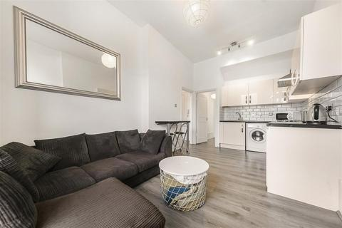 2 bedroom flat to rent - Clapham Common South Side, SW4
