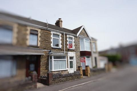 2 bedroom flat for sale - Leonard Street, Neath, Neath Port Talbot. SA11 3HN