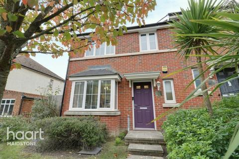 4 bedroom semi-detached house for sale - Hastings Road, Maidstone