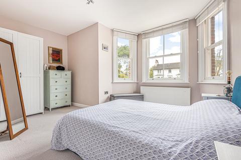 2 bedroom flat - Church Road London SE19