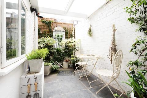 1 bedroom flat - Brackenbury Road, Hammersmith