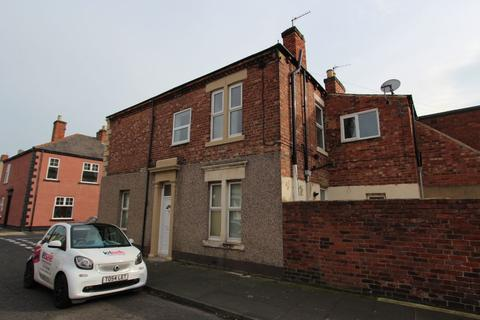 3 bedroom flat to rent - West Percy Road, North Shields