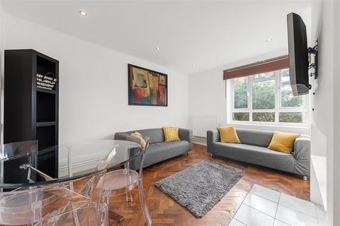 3 bedroom flat to rent - Triangle Place, SW4