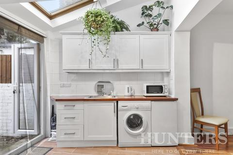3 bedroom terraced house for sale - Clonmell Road, London, N17 6JT