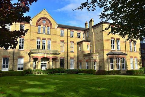 2 bedroom flat for sale - Leavesden Court, Mallard Road, ABBOTS LANGLEY, Hertfordshire