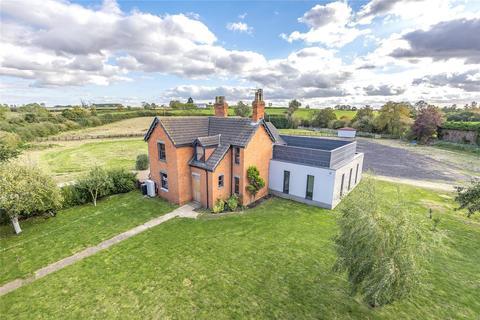 4 bedroom property with land for sale - Bourne Road, Folkingham, NG34