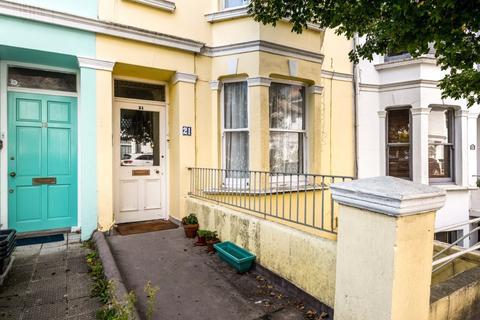 1 bedroom ground floor flat - Warleigh Road, Brighton, BN1